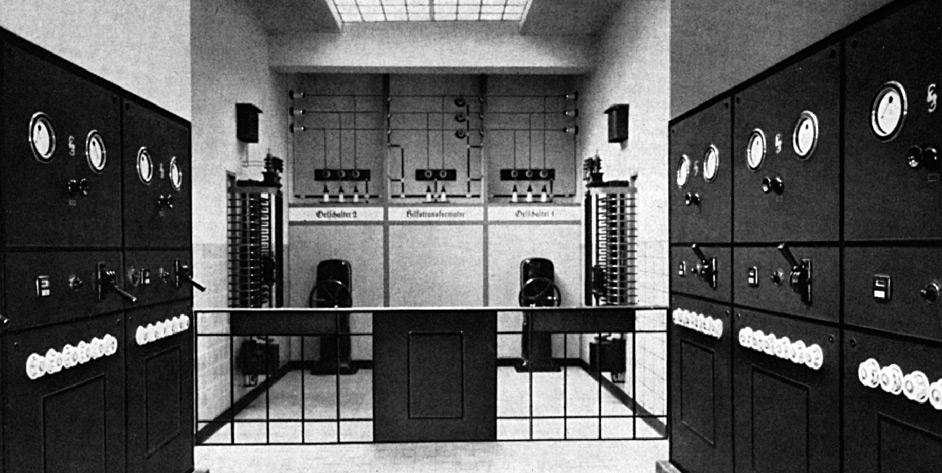 90 Jahre EAM historische Schaltstation