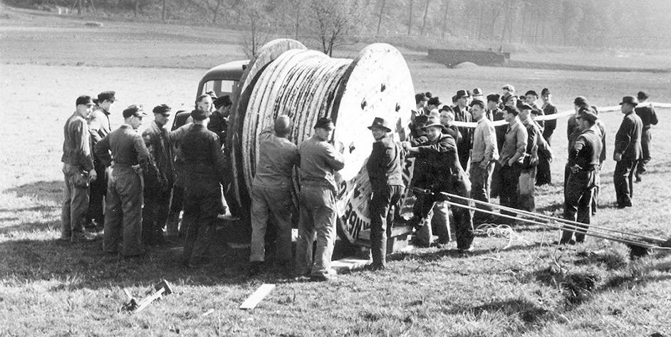 90 Jahre EAM Kabel verlegen